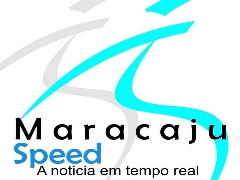 Motociclista não respeita velocidade máxima e fica ferido em colisão contra carro