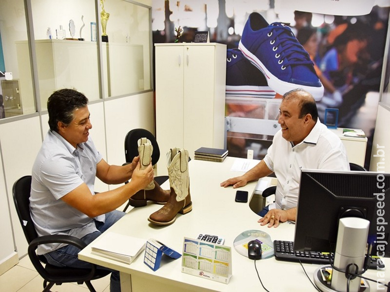 Sindical articula vinda de fábrica de botas para Dourados em 2019