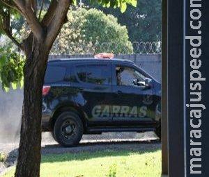 Foragida há três dias, suspeita de traficar armas é presa ao se apresentar