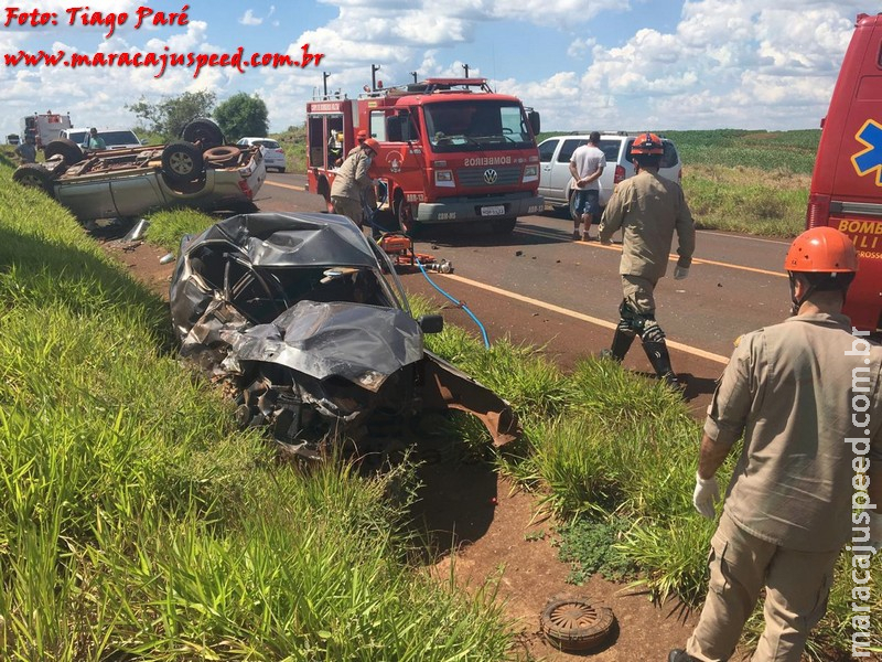Maracaju: Colisão entre veículos à cerca de 70 km de Maracaju deixa vítima fatal presa em ferragens