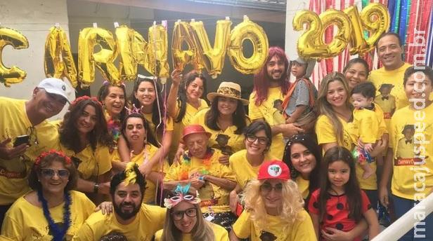 Carnaval 2019: fã da folia, idoso com Alzheimer ganha