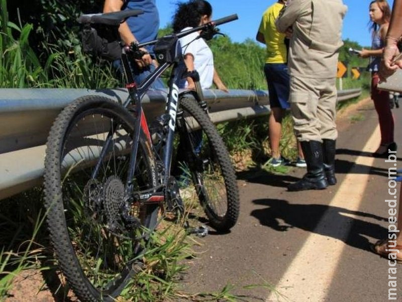 Desequilibrado após passagem de carreta, ciclista cai de ponte na MS-040