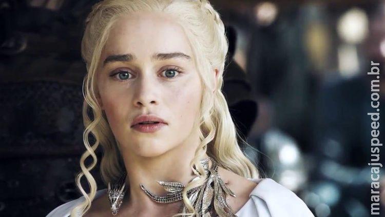 Emilia Clarke revela ter sofrido 2 aneurismas durante gravações de GOT