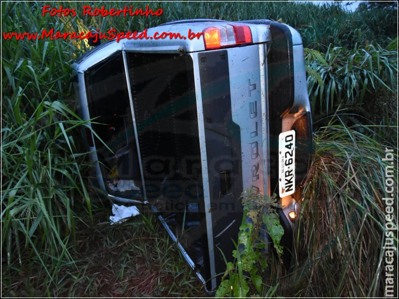 Maracaju: Buraco na rodovia MS-164 ocasiona capotamento de caminhonete