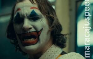 """Sombrio e revelador! Assista ao 1º trailer de """"Coringa"""""""