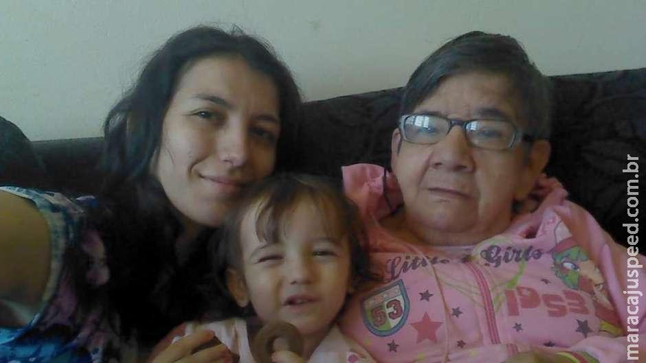 A mulher de 30 anos que luta para adotar idosa de 67: