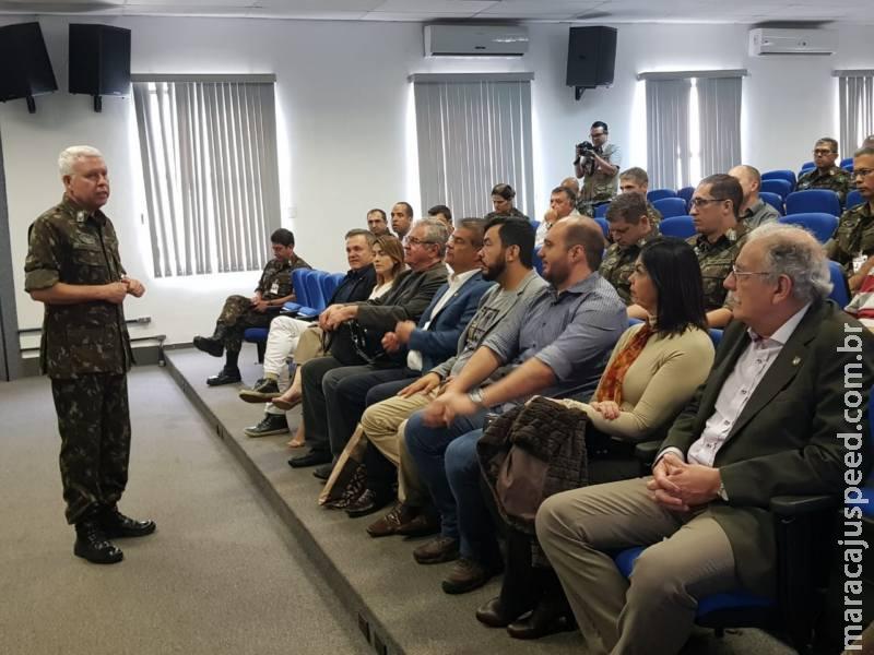 Parlamentares desembarcam em Ponta Porã para conhecer Sisfron
