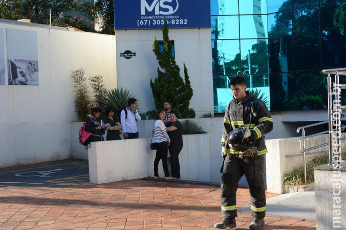Princípio de incêndio em clínica médica mobiliza Corpo de Bombeiros