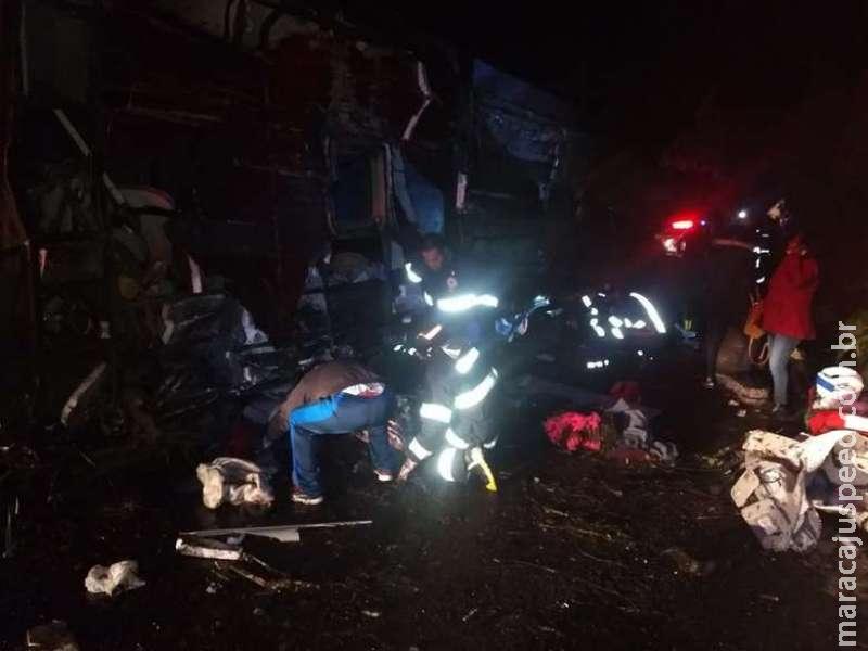 Acidente com ônibus deixa 10 mortos e 51 feridos em rodovia de SP
