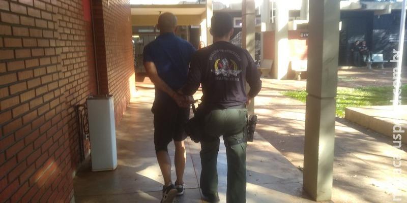 Homem é preso por espancar filho de 5 anos em Dourados