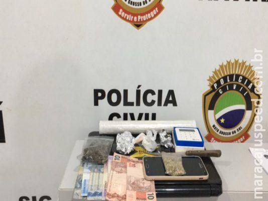 'Débito ou crédito?': Mulher é presa usando máquina de cartão para vender drogas