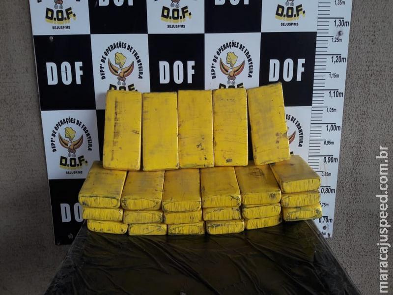 Veículo transportado em guincho foi apreendido pelo DOF com quase 25 quilos de cocaína