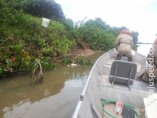 Corpo de colombiano é encontrado com tiros e facadas no Rio Paraguai
