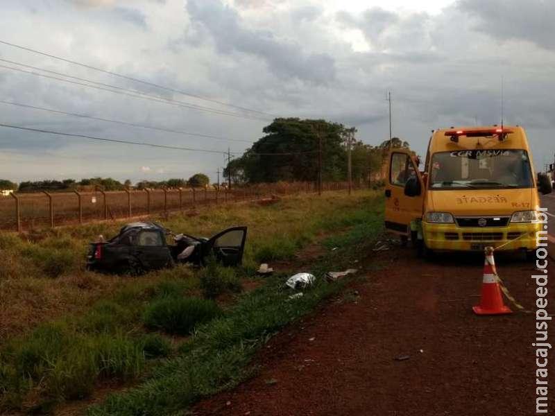 Motorista morre ao bater de frente com carreta em Dourados