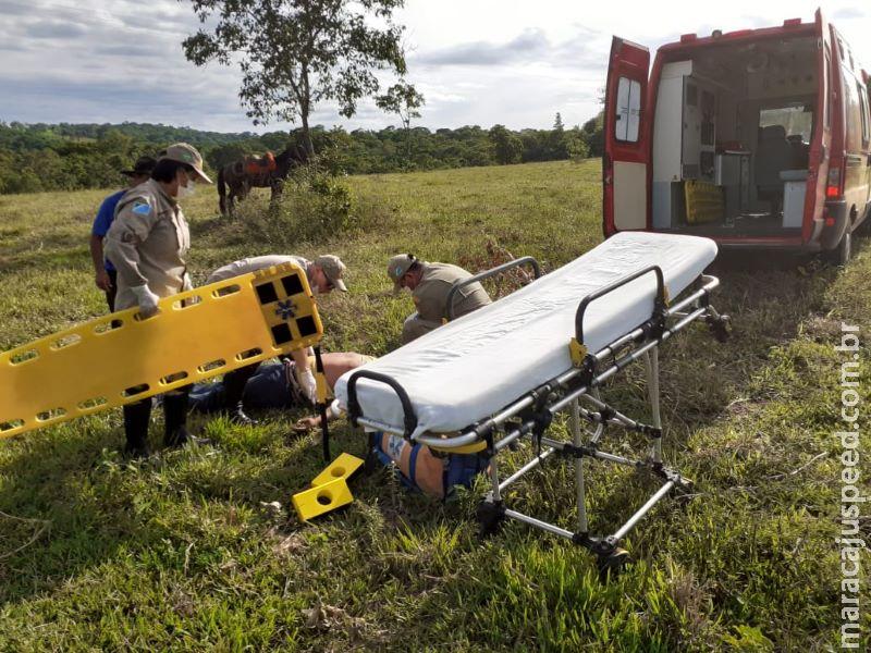 Peão fica ferido após cair do cavalo em fazenda no município de Dois Irmãos do Buriti