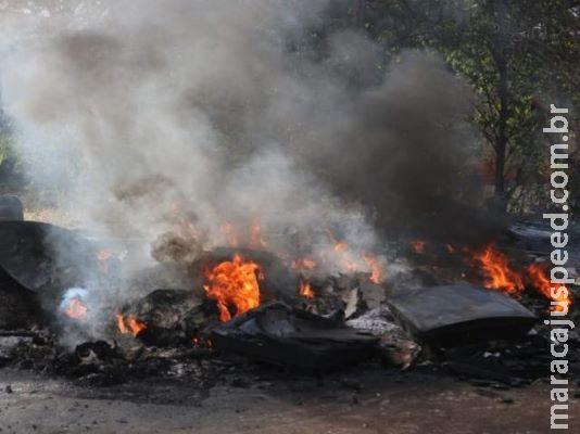 Crianças colocam fogo em terreno destinado à obra de escola infantil