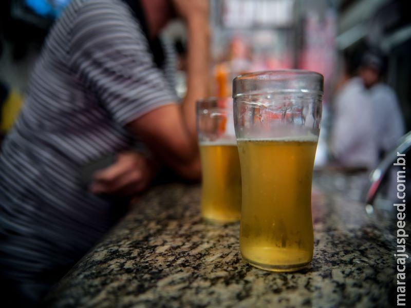 Um em cada 10 motoristas relata dirigir sob efeito de álcool