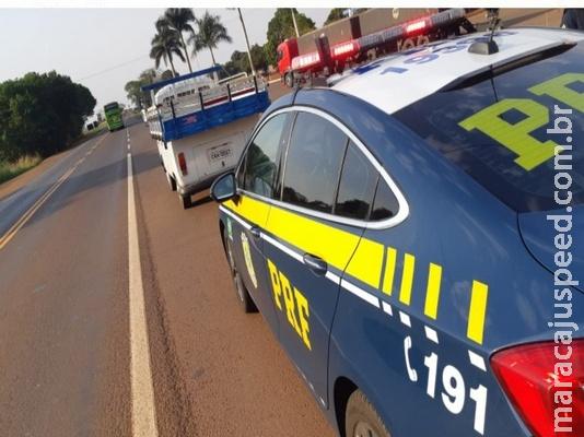 Motorista tenta fugir da polícia, mas é preso com 467 kg de maconha na BR-163