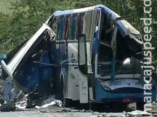 41 vítimas são identificadas no acidente entre ônibus e caminhão em SP