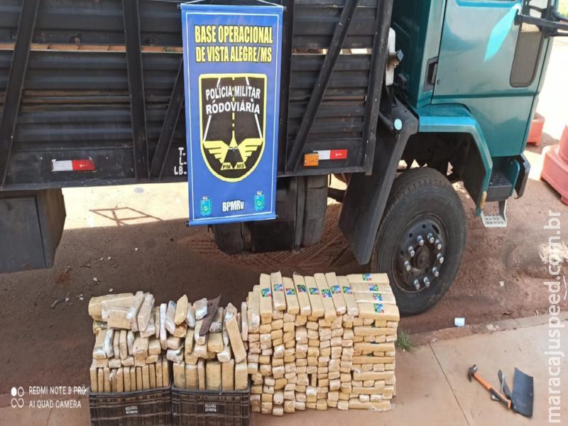"""Polícia Militar Rodoviária localiza """"mocó"""" em caminhão e apreende quase 300 kg de drogas em Maracaju"""
