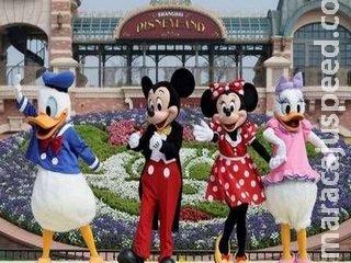 Mesmo fechado, Disney cede espaço e vira ponto de vacinação