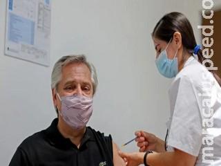 Presidente da Argentina recebe 1ª dose da vacina Sputnik V