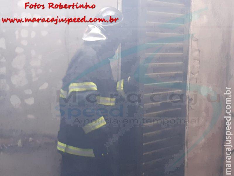 Maracaju: Corpo de Bombeiros e Polícia Militar atendem ocorrência de incêndio criminoso em residência no Conjunto Ilha Bela 2