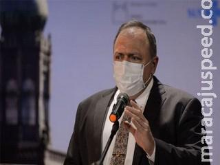 Pressionado, Pazuello pede ajuda do Planalto para comprar vacinas contra Covid-19