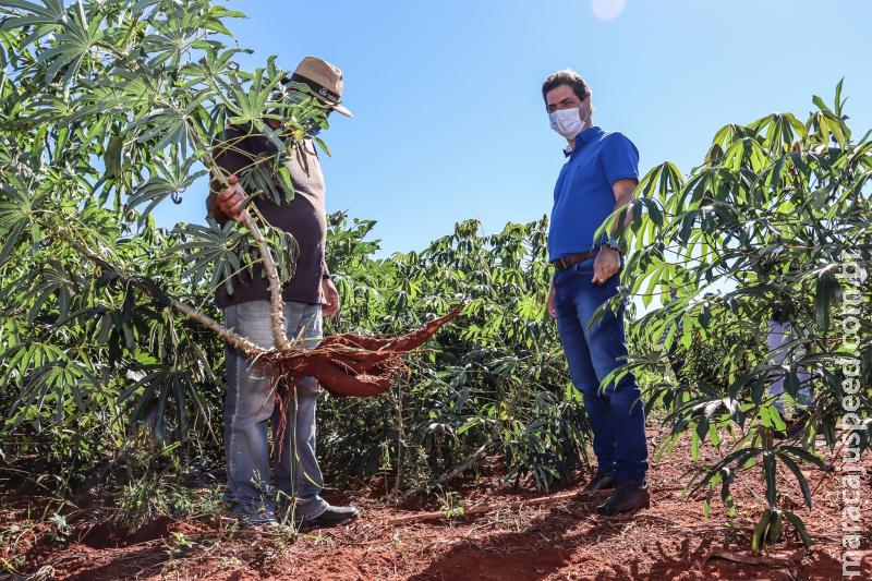 Prefeito conhece produtores rurais do Assentamento Valinhos