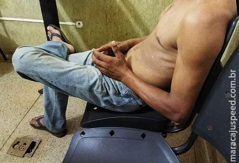 Suspeito se apresenta à polícia e nega assassinato de cabelereiro em favela
