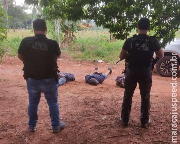 Três traficantes são presos em entreposto de maconha na fronteira