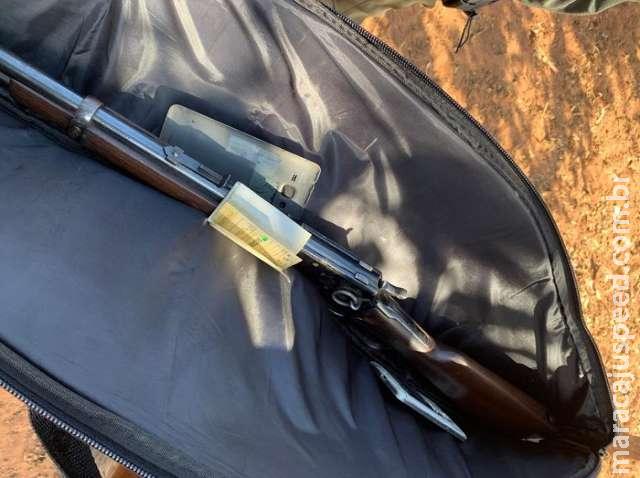 Trio que furtava gado e baterias é preso com arma e R$ 21 mil