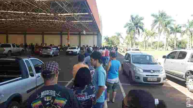 Fiscalização do Procon mira filas de estabelecimentos em Dourados