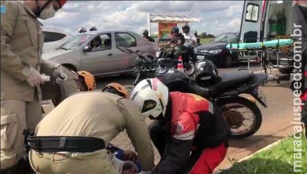 Motociclista fica com trauma na face após acidente na Duque de Caxias