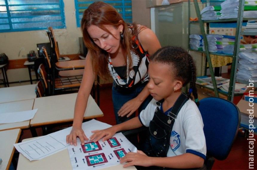 Crianças e jovens com deficiência poderão ter prioridade em matrícula escolar
