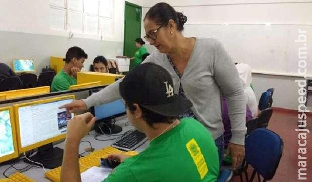 Escolas estaduais vão fornecer kits e apoio psicológico para alunos no retorno presencial