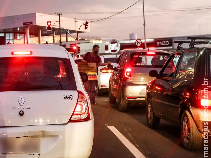 Com venezuelanos recusando emprego, Capital terá campanha contra esmola