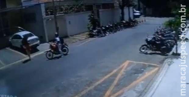 Idoso denuncia furto de carro, mas depois lembra que estacionou em outra rua