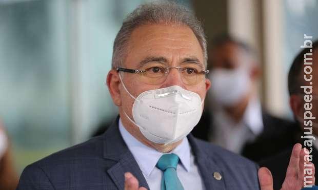 Ministro prevê fim da obrigatoriedade de máscara ao ar livre em novembro